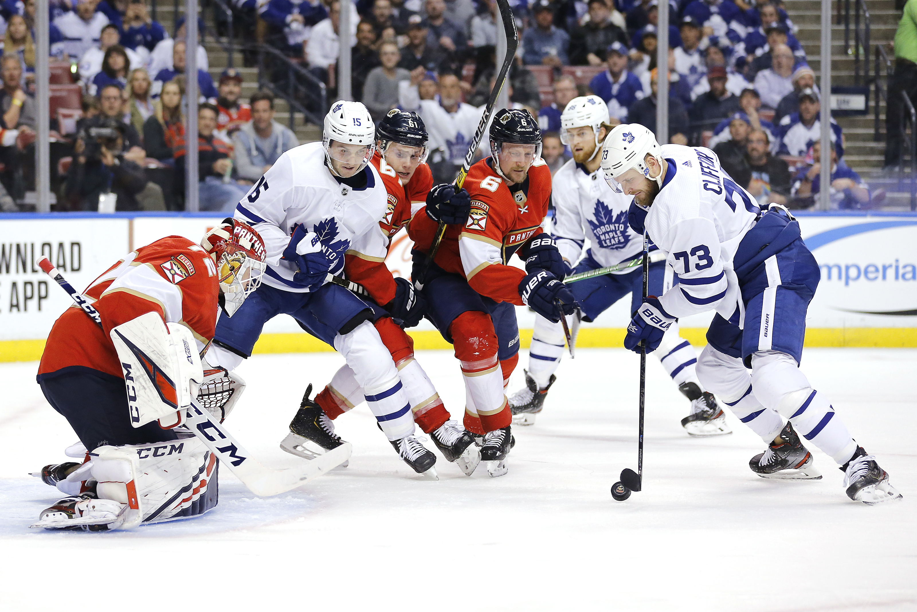 The Toronto Maple Leafs Should Re Sign Tough Guy Kyle Clifford
